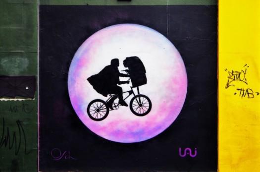 E.T. street art